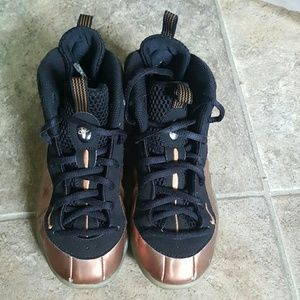 Boys Nike Air Foamposit sneakers sz 1y